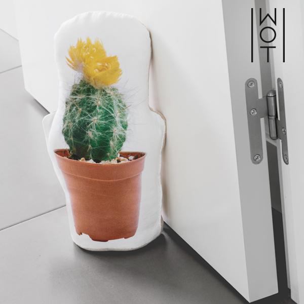 Wagon Trend Cactus Doorstop